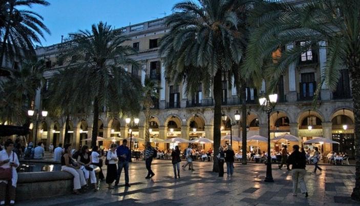 704054 المسافرون العرب مقتطفات سعودي عن السياحة في برشلونة .