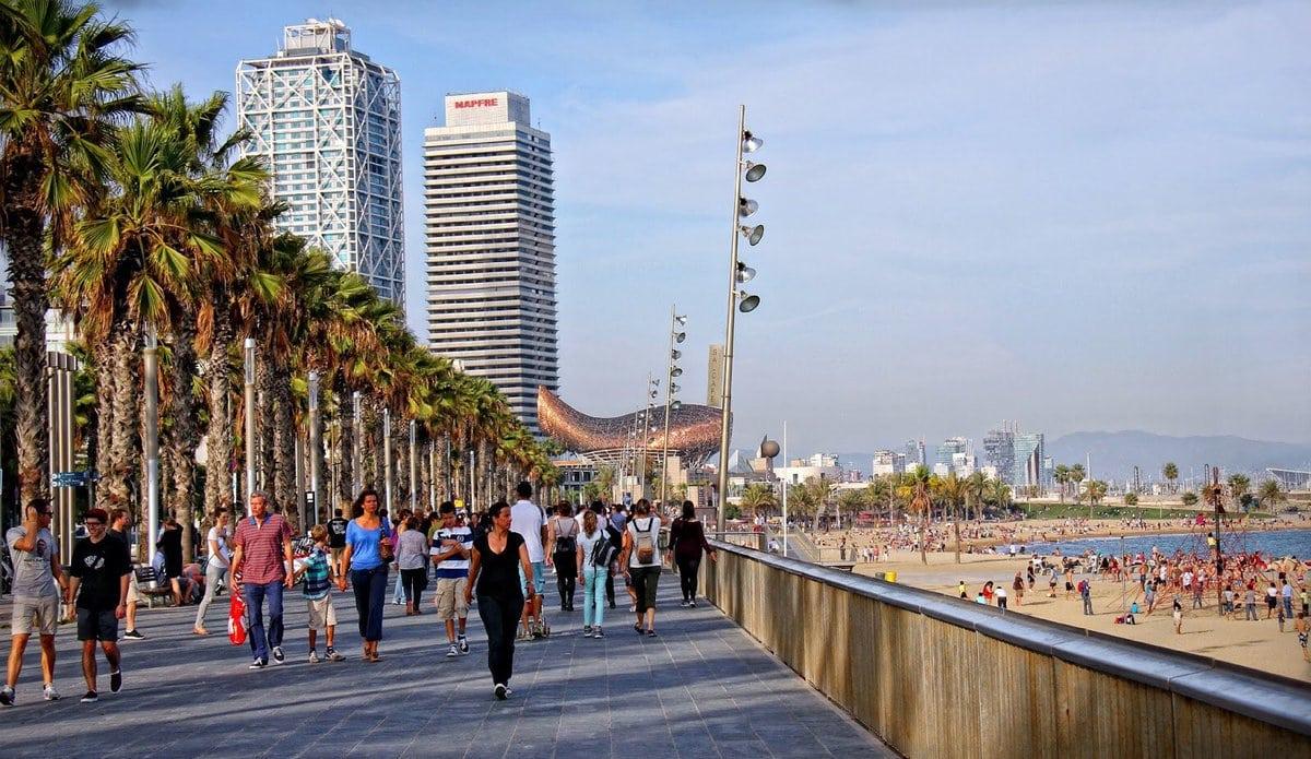 704058 المسافرون العرب مقتطفات سعودي عن السياحة في برشلونة .