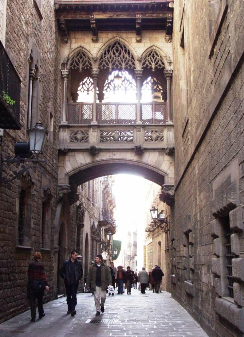 704067 المسافرون العرب مقتطفات سعودي عن السياحة في برشلونة .