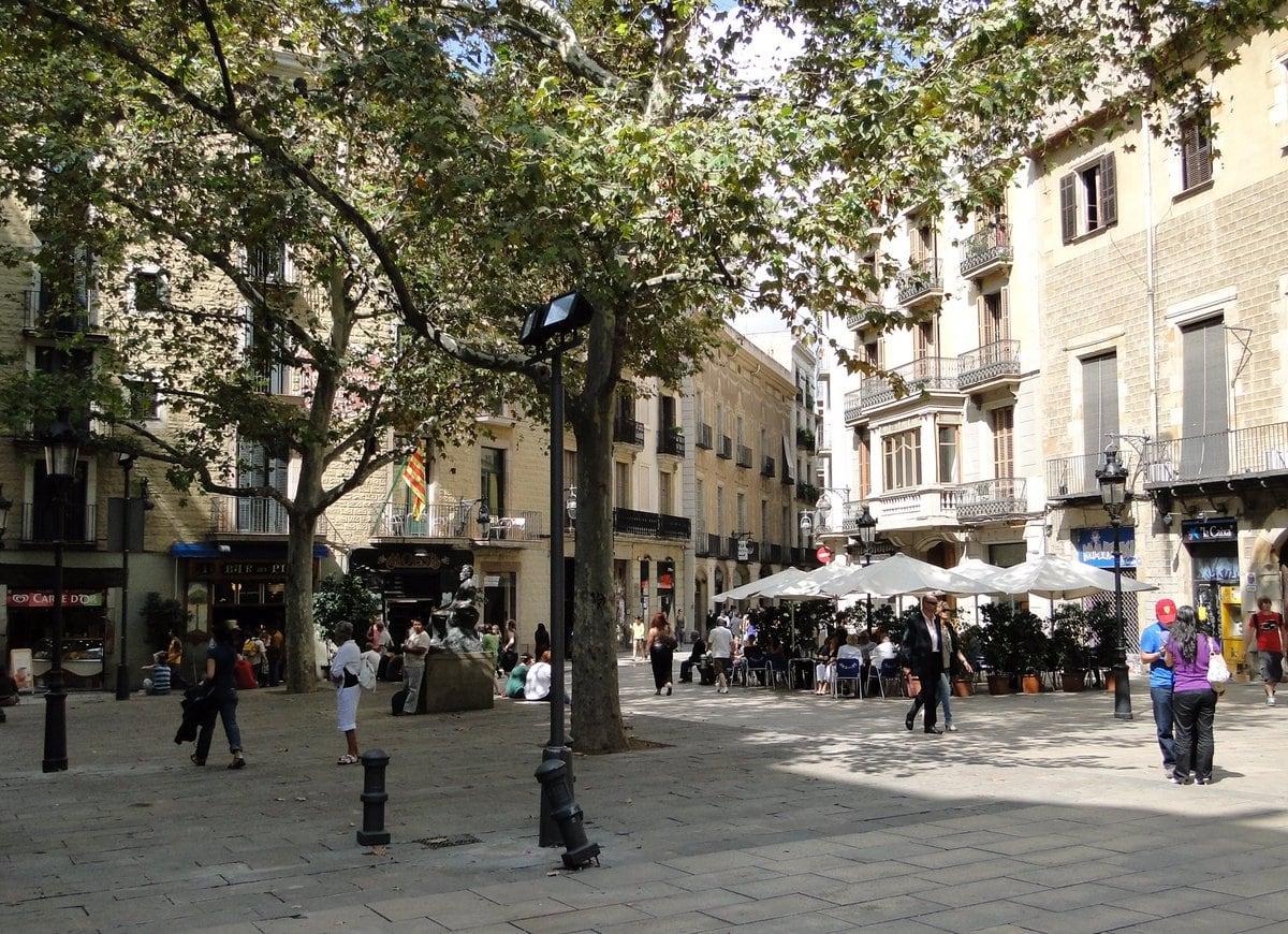 704074 المسافرون العرب مقتطفات سعودي عن السياحة في برشلونة .