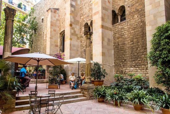 704090 المسافرون العرب مقتطفات سعودي عن السياحة في برشلونة .