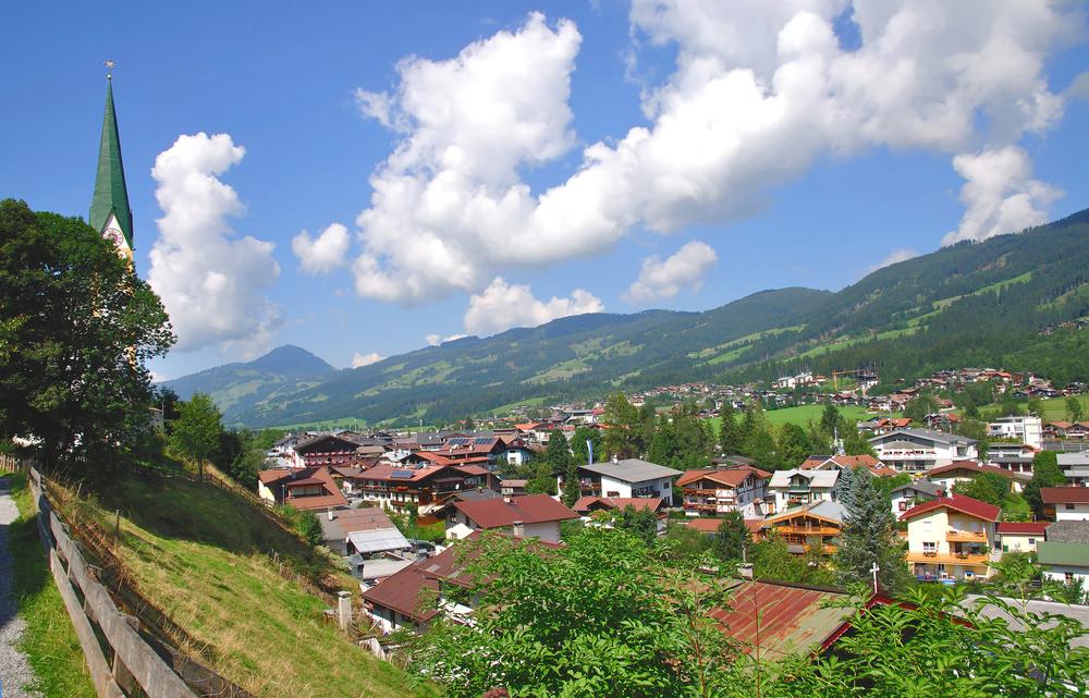 708086 المسافرون العرب هل تحلم بفندق في أحضان جبال الألب الخلابة في النمسا؟