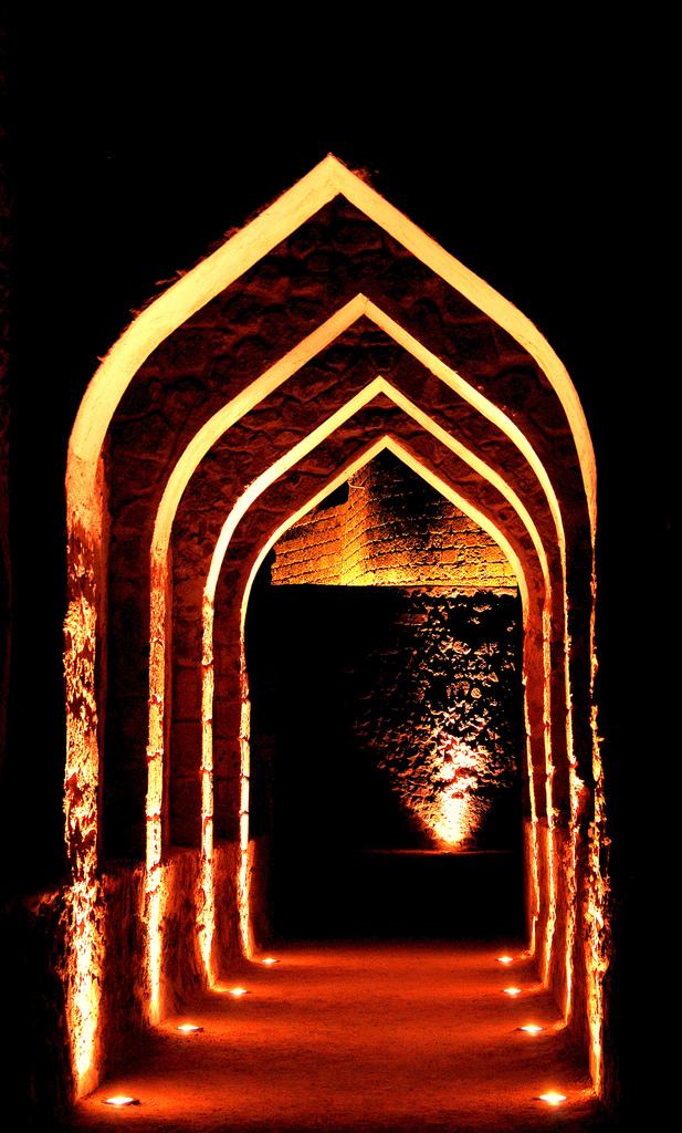 arab_travelers_malaysia_1392349773_206.jpg