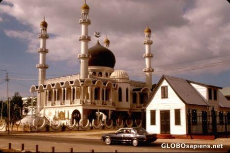 arab_travelers_malaysia_1395893274_504.jpg