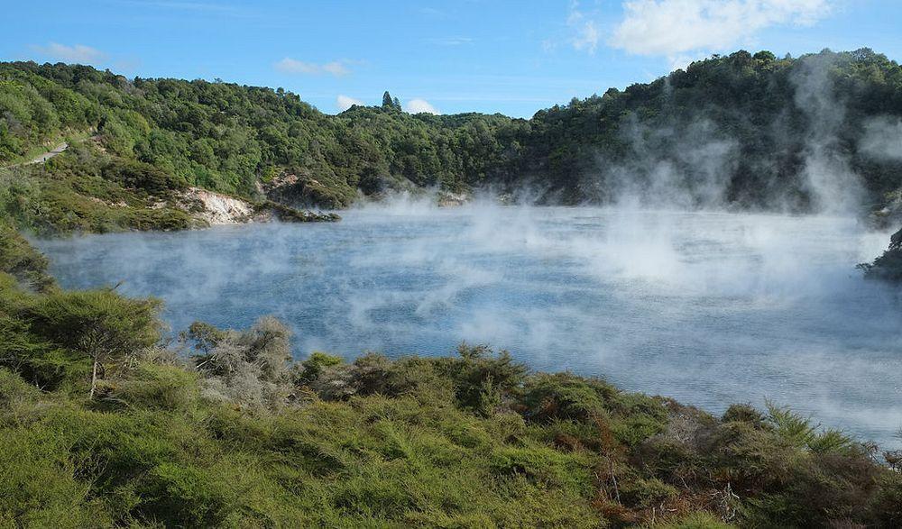 Frying-Pan-Lake-of-New-Zealand.jpg