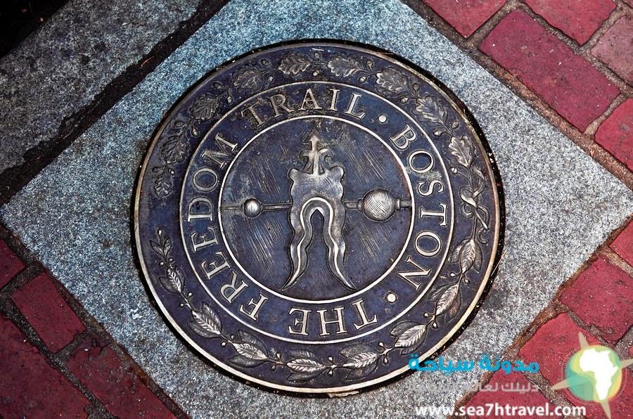 Walking-the-Freedom-Trail-in-Boston.jpg