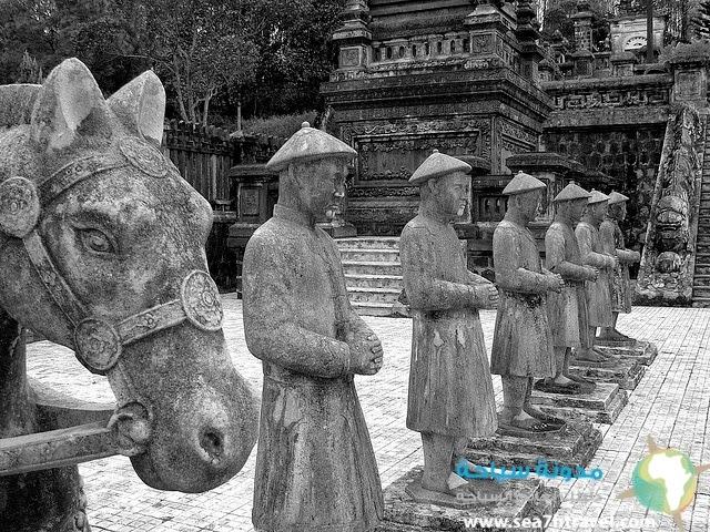 Tombs-of-Khai-Dinh.jpg