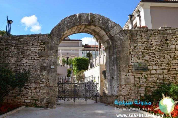 Hercules-Gate.jpg
