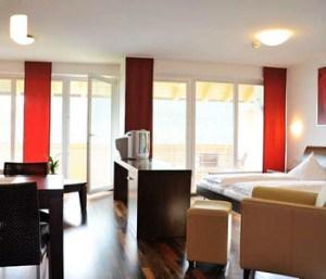 Hotel-Restaurant-Der-Sonnberg3-300x257.jpg