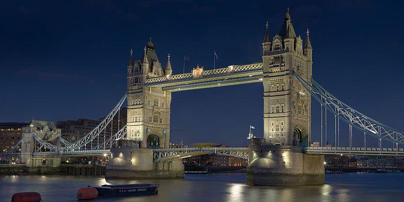 800px-Tower_Bridge_London_Feb_2006.jpg