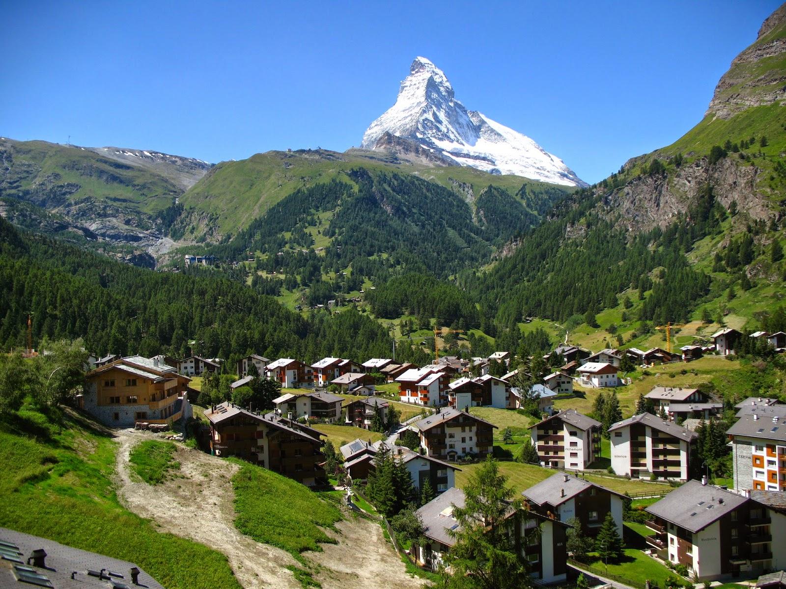 nkelmatten_-_Matterhorn_viewed_from_Gornergratbahn.jpg