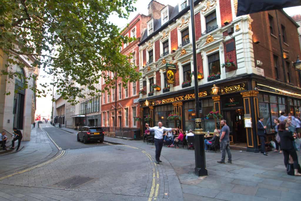 london-streets-1-1.jpg