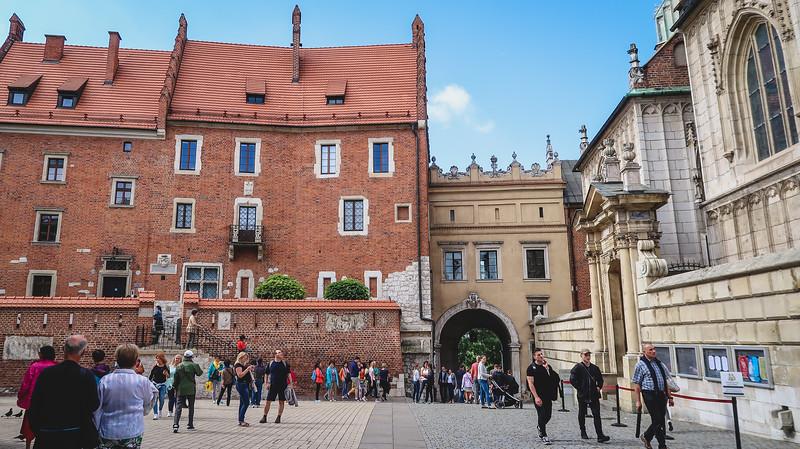 Krakow-castle.jpg