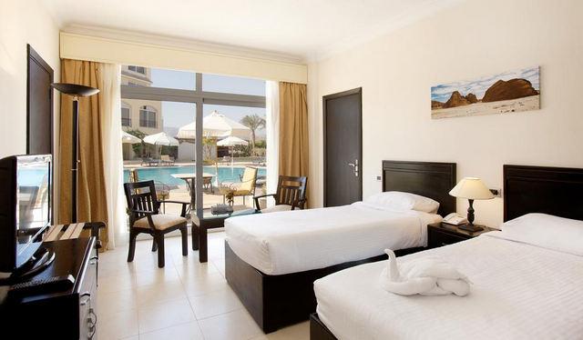 Royal-Naama-Bay-Resort-2.jpg