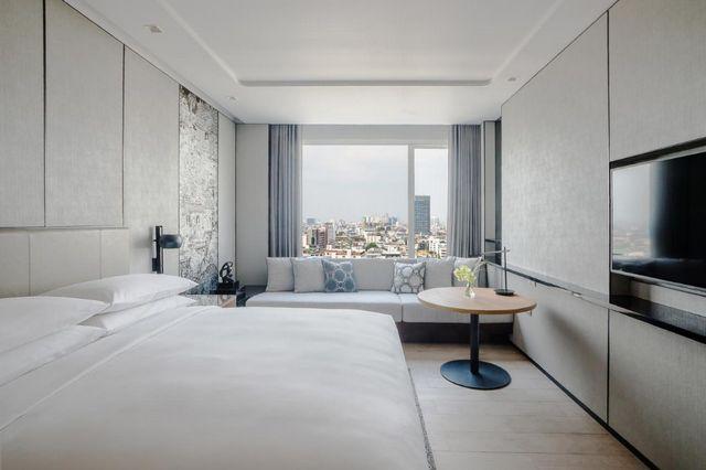 Marriott-Bangkok-Hotel-2.jpg