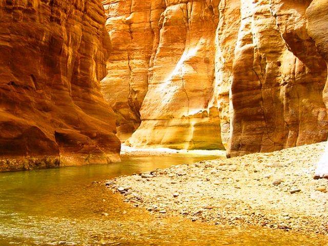 Dead-Sea-Tourism-3.jpg