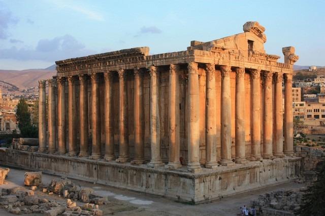 Baalbak-Roman-Ruins.jpg