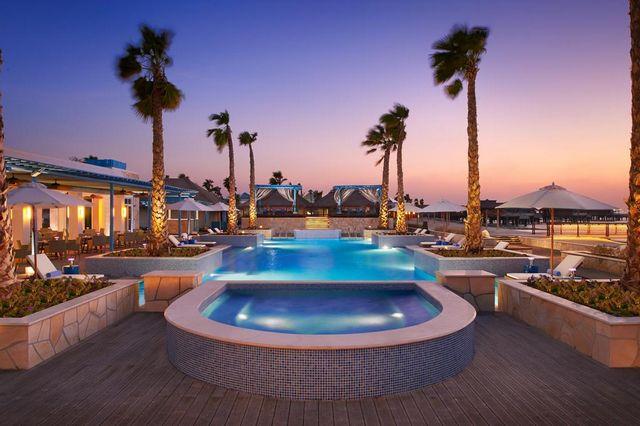 Banana-Resort-in-Qatar4.jpg