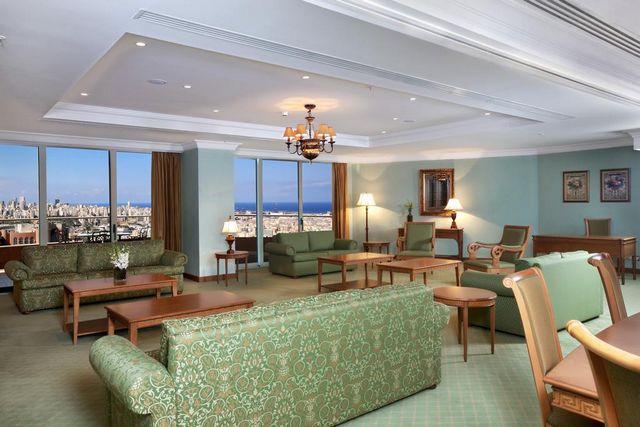 Habtoor-Hotel-Beirut0.jpg