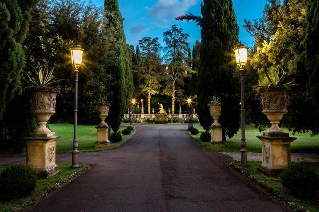 Villa-Cortina-Palace-Hotel.jpg
