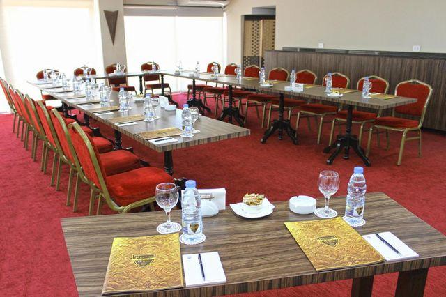 Reston-Hotel-Jounieh-5.jpg