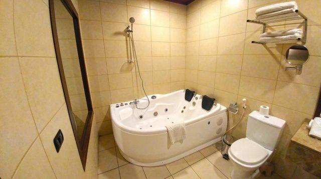 Reston-Hotel-Jounieh-1.jpg