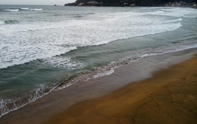 Avtis-Beach.jpg