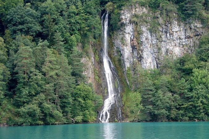 thun-lake-interlaken-1-1.jpg