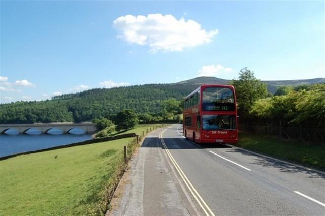 peak-district-national-park-buses.jpg