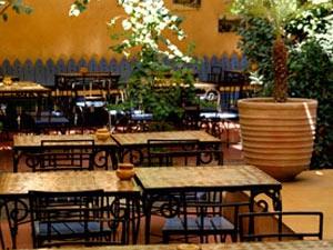 83712 المسافرون العرب مطعم لاسكالا 2017