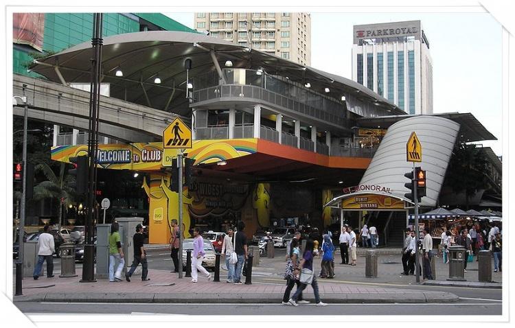 من افضل واروع واسهل المواصلات فى ماليزيا القطار المعلق ( المونوريل ) تقرير مصور عن ا
