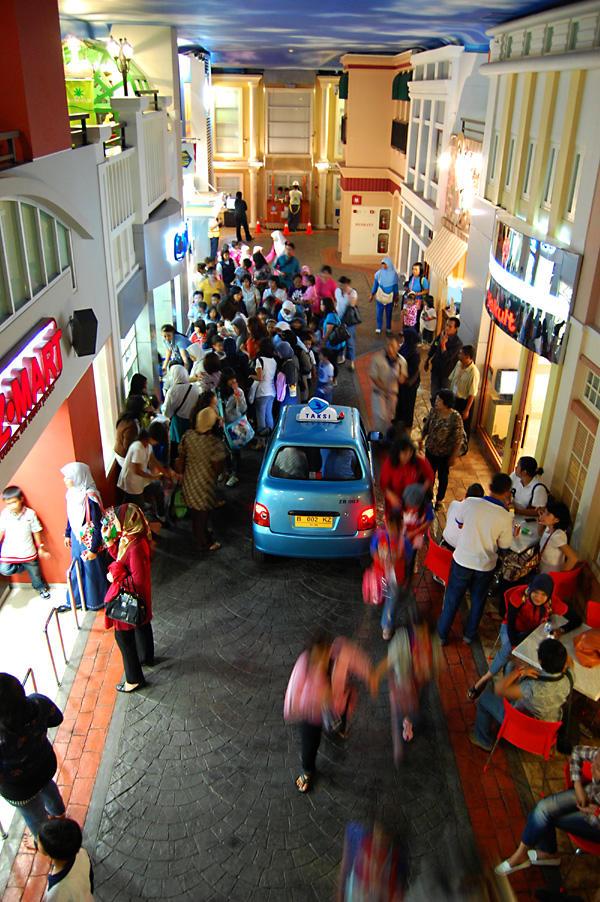 تقرير مصور عن مدينة الأطفال ( كيدزانيا ) في كوالمبور(KidZania Kuala Lumpur)