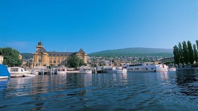 صور رحلتى الى بحيرة نوشاتيل في سويسرا