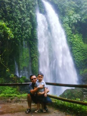 جولة سياحيه الى الشلال التوأم فى ريجينسي كارانجانيار ( السياحة فى اندونيسيا)