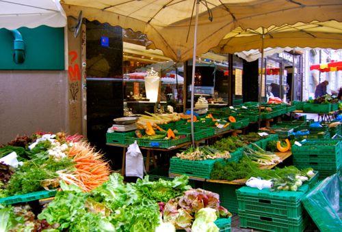 أماكن التسوق العملاقة والأسواق في وسط مدينة لوزان