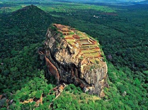 صخرة سيجيريا من معالم سريلانكا السياحيه 2014