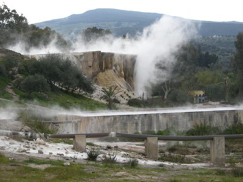 حمام المسخوطين أو حمام دباغ منطقة سياحية فريدة جدًا فى الجزائر