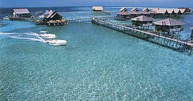 جزيرة مابول في ماليزيا ( تحتوي الجزيرة على منتجعات رائعة)