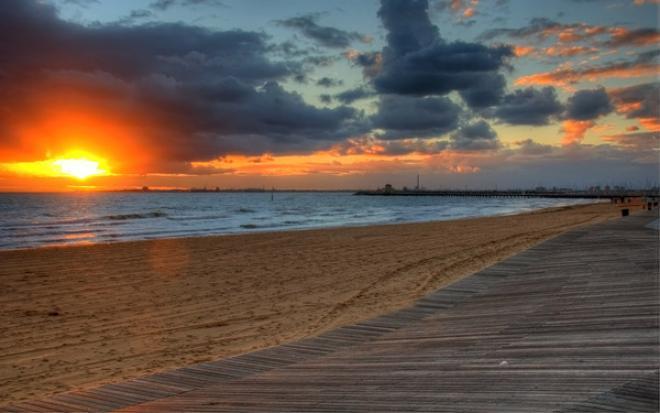 شاطئ سانت كيلدا st kilda beach ( من اجمل الاماكن السياحية فى ملبورن)