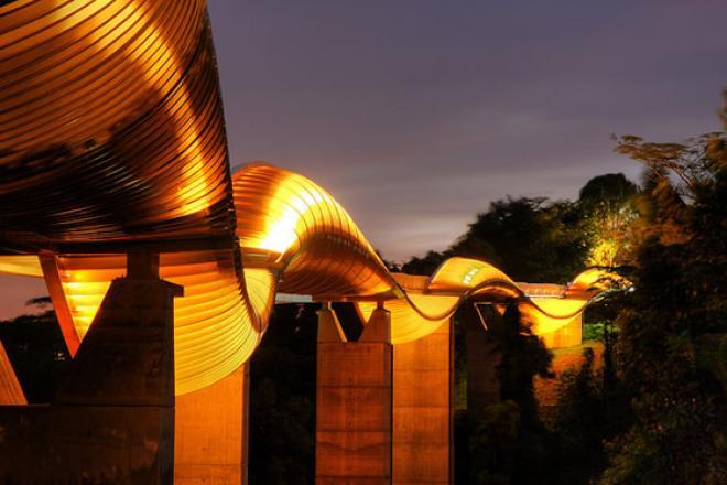 جسر هندرسون المموج Henderson Waves Bridge في سنغافورة