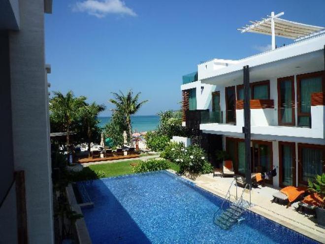 فنادق تايلاند (فندق فلورا باتونجLa Flora Resort Patong )