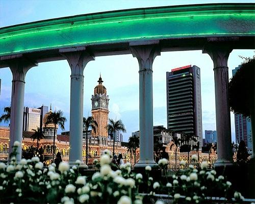 مبنى السلطان عبد الصمد كوالالمبور ماليزيا( افضل معالم ماليزيا السياحيه)