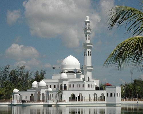 مسجد تنكو تنجه زهرة ولاية ترينجانو ماليزيا