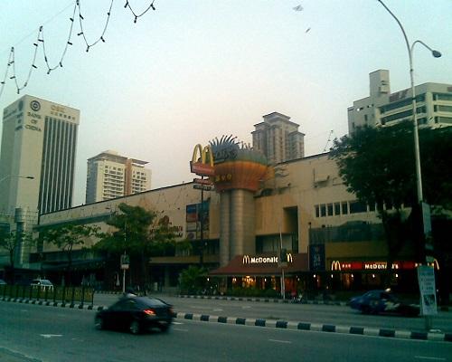 سوق أمبانج بارك كوالالمبور ماليزيا ( جيد لمن يقيمون حول منطقة البرجين التوأم)