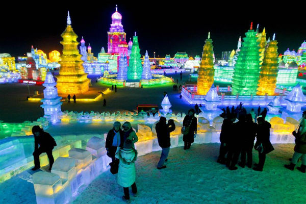 افضل جولة سياحية الى مدينة الاضواء والجليد