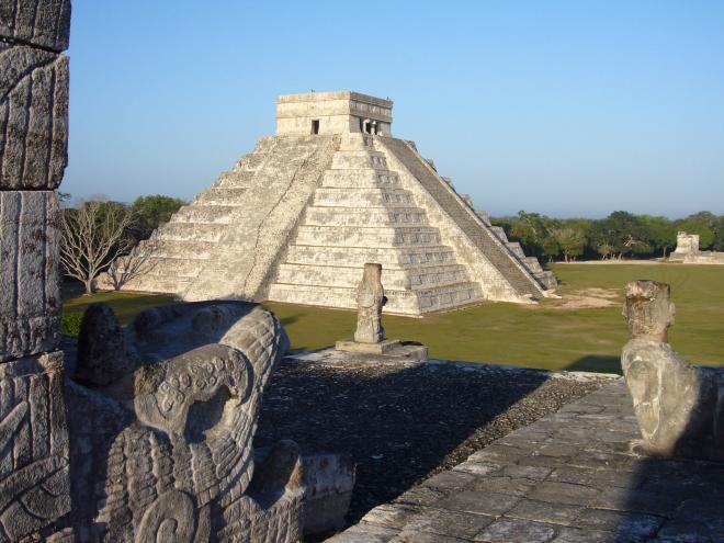تشيتشين ايتزا Chichén Itzá ( السياحة فى المكسيك)