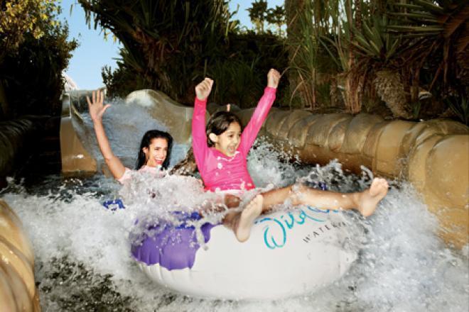 الحديقة المائية الممتعة،التي يقصدها الكثيرون من داخل الدولة وخارجها ( السياحة فى دبى