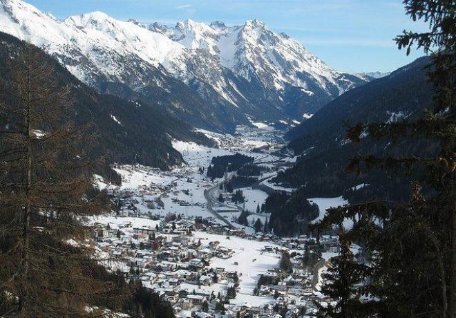 سانت انتون ام اربل St Anton am Arlberg ( منتجع التزلج يقع فى قرية تيرول وهو احد اشه