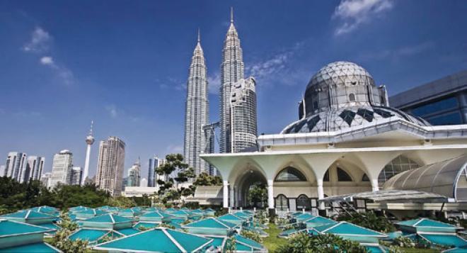 ماليزيا تتمتع بمناظر طبيعية خلابة وسحر خاص للطبيعة ( صور )