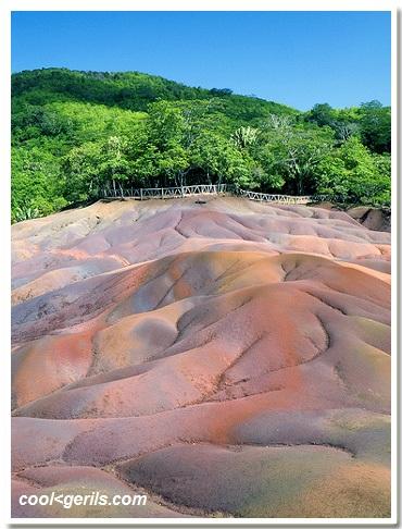 تقرير عن موريشيوس جزر صغيرة بوسط المحيط الهندي (مدغشقر)